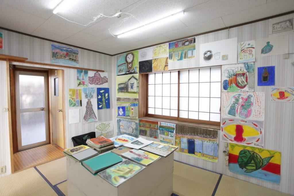 roji(ろじ)でのリベルテメンバーさんの作品の展示風景