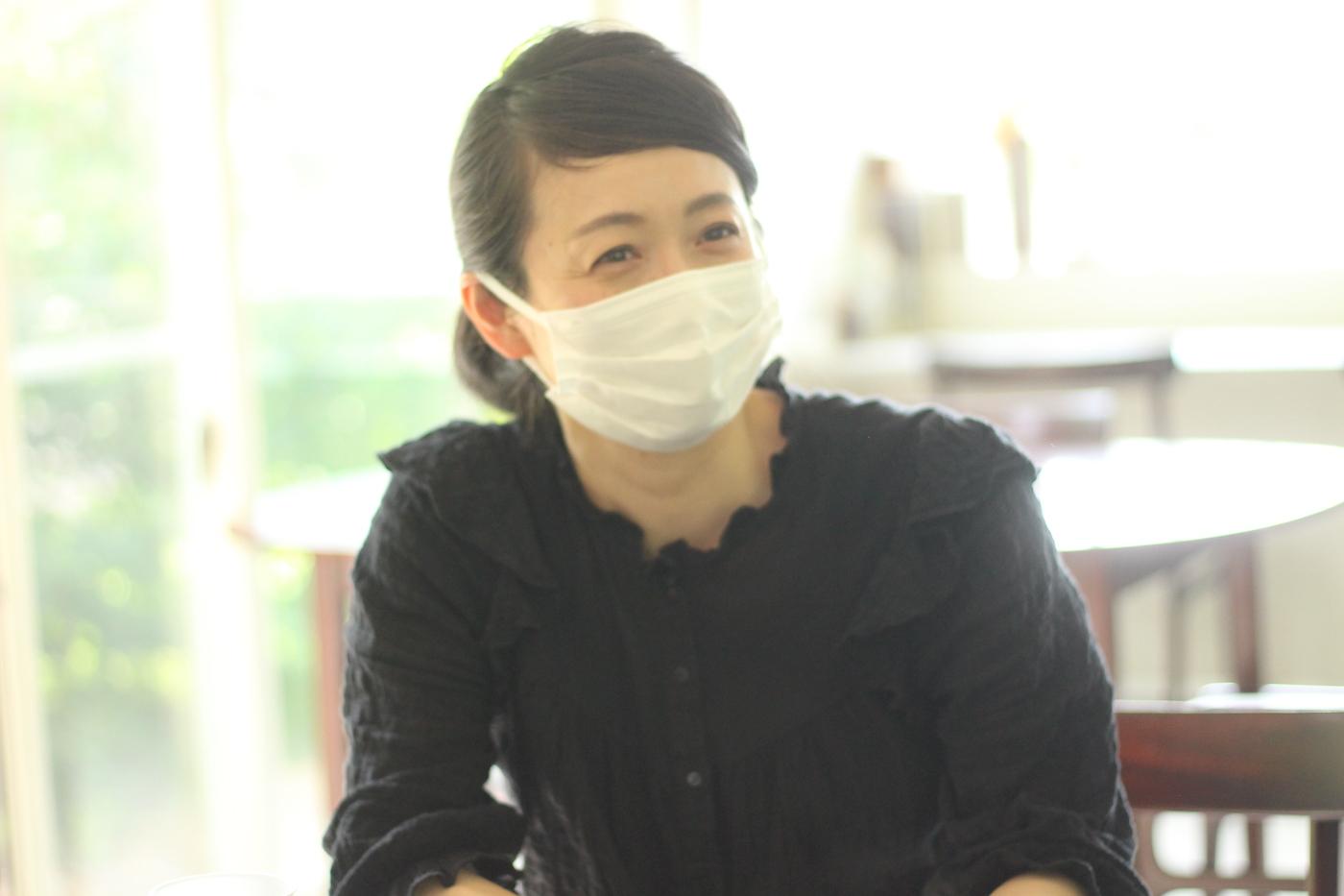 アトリエリスタ(支援員)の塚元恵さん